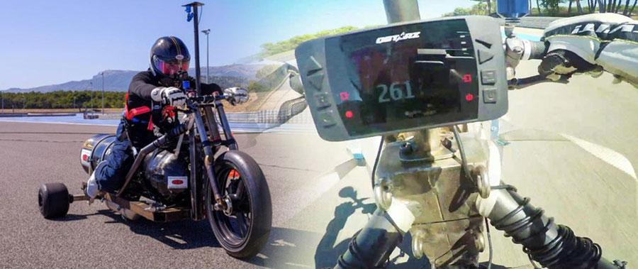 Xe đua chạy bằng nước mưa tăng tốc từ 0-100 km/ trong 0,55 giây