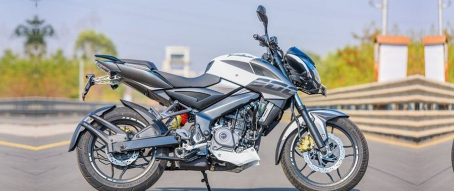 Naked bike giá rẻ Bajaj Pulsar 200NS ABS 2018 lặng lẽ ra mắt