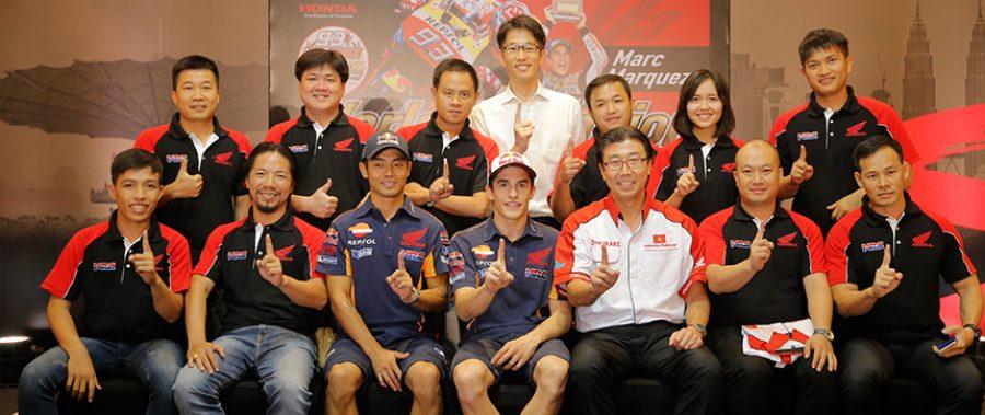 """Hàng trăm xe phân khối lớn hội tụ tại trường đua quốc tế Sepang trong hành trình Honda Châu Á """"Honda Asian Journey"""""""